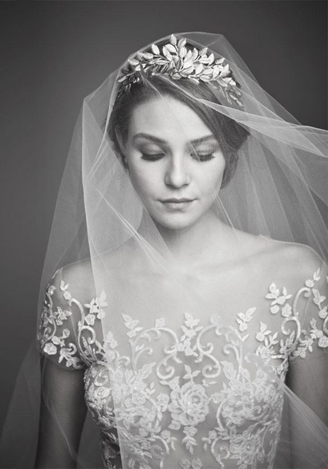 We're having a Long Veil Obsession over at Love and Lace Bridal Salon - www.loveandlacebridalsalon.com/blog
