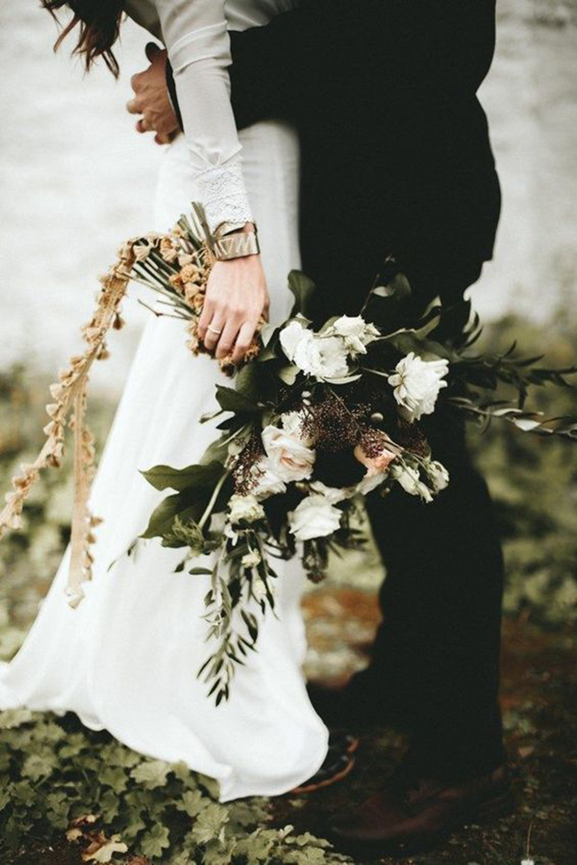 Winter Wedding Bouquets.Our Favorite 9 Winter Bridal Bouquets Winter Wedding