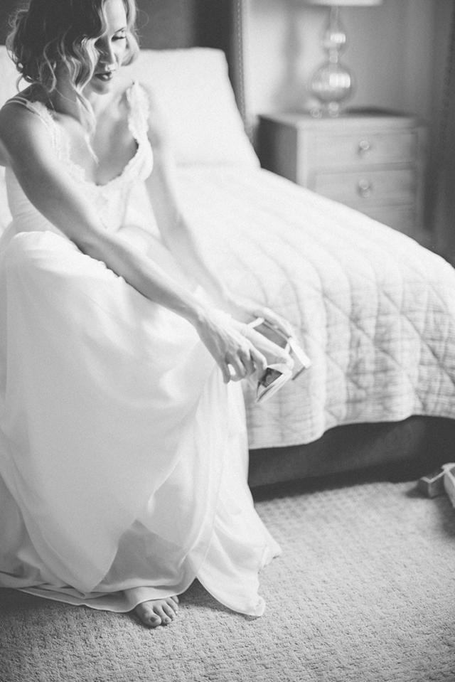 Truvelle Bride in Nicolet | Deserae Evenson Photography [...] </p>    <p class=